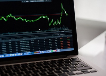 Stock Market Soars Continuously Despite Uncertainty